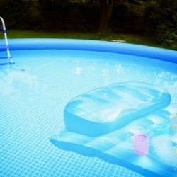 outdoor inflatable pool