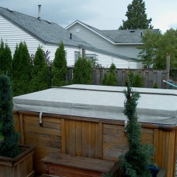 what to look for in a hot tub cover