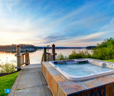 Do hot tubs help sell homes faster_